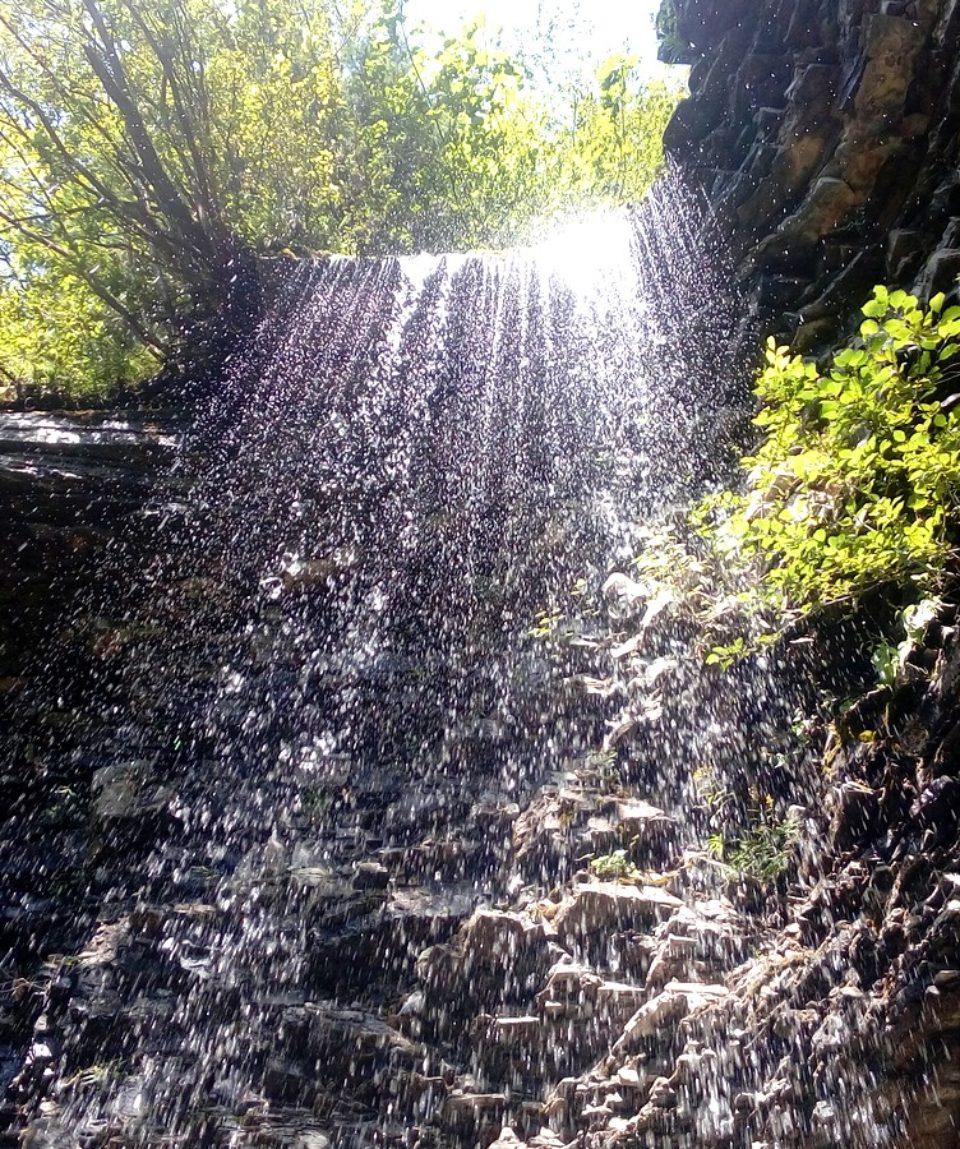 Manyavskiy i Bukhtivetskiy vodopad